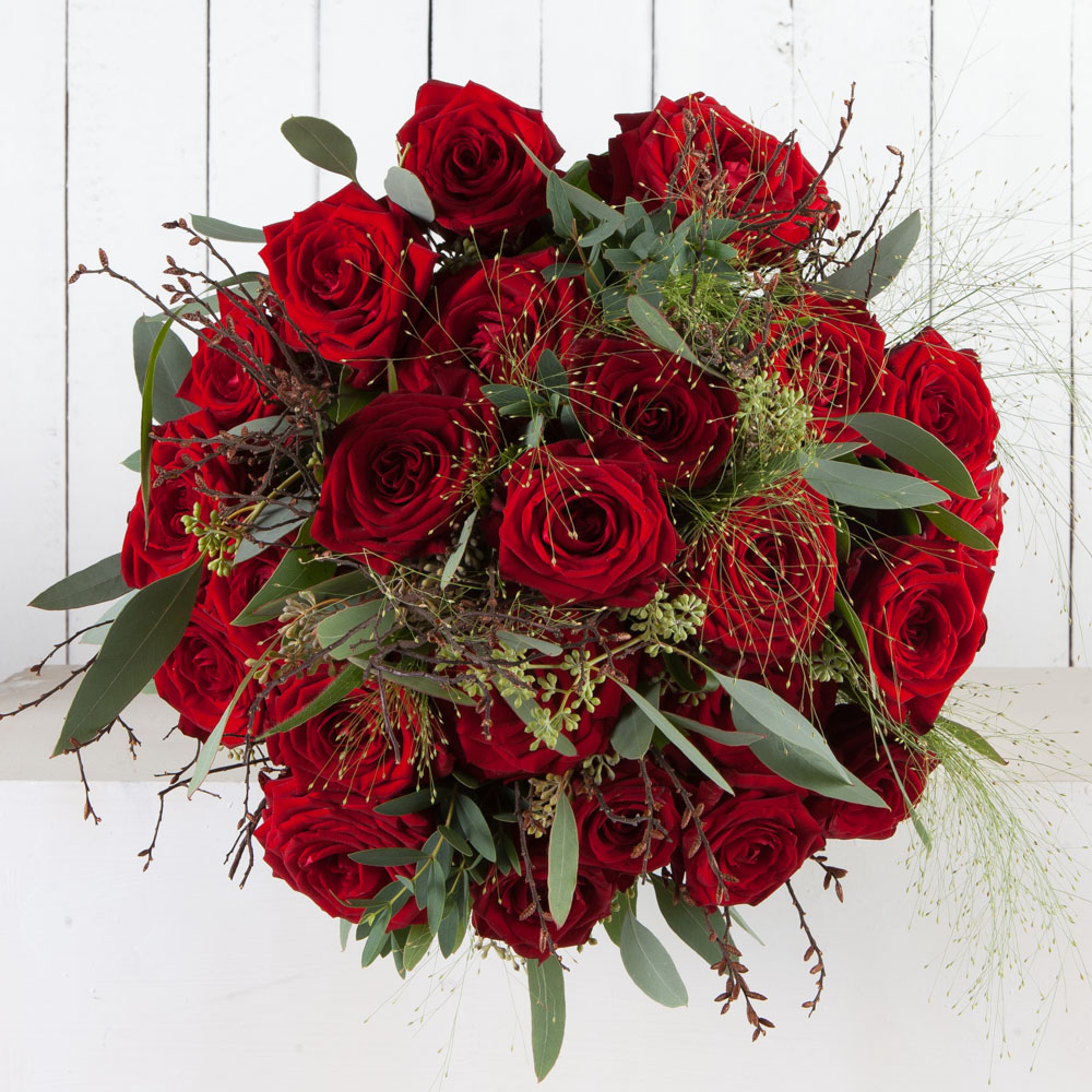 Luxury red rose bouquet oxford florist fabulous flowers luxury red rose bouquet izmirmasajfo
