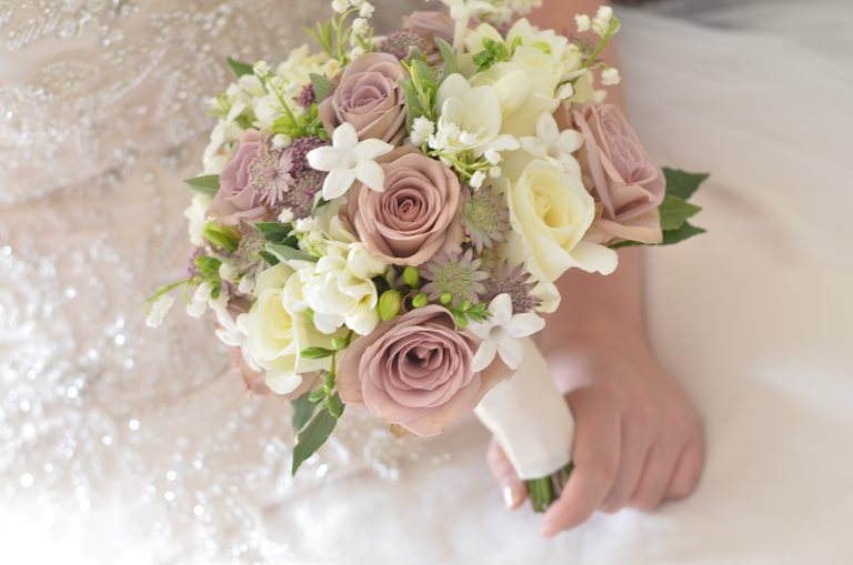 Pretty Vintage Wedding Flowers At The Manor Weston On Green
